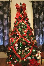 christmas tree decorating ideas criss cross ribbons how to criss