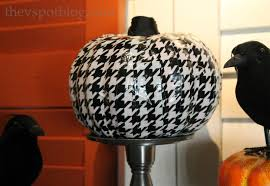 halloween duct tape make a houndstooth pumpkin from duck tape the v spot