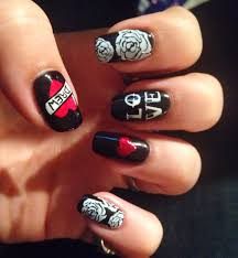 rock n roll valentine nails tattoo nails hand painted nail art