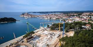 klančar cranes erects two raimondi mrt186s in rovinj croatia