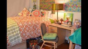 Dorm Room Wall Decor by Cool College Dorm Room Decorating Ideas Youtube