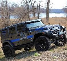 jurassic world jeep jurassic world photos movies pinterest jeeps jeep stuff and