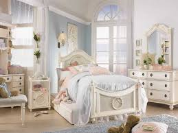 White Antique Bedroom Furniture Bedroom Decor Stunning White Bed Ideas With Heavenly Floral
