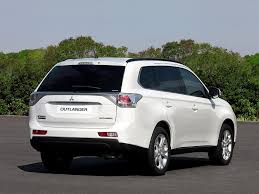 mitsubishi guagua 2013 mitsubishi outlander information and photos momentcar