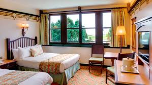 chambre standard hotel york disney disney s sequoia lodge disney hotels disneyland