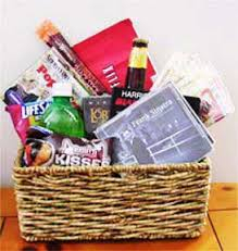 themed gift basket easy make a gift basket ideas