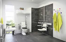 badezimmer behindertengerecht umbauen foerdermittel fuer barrierearme am besten badezimmer