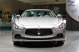 chrome maserati ghibli maserati unveils 2017 ghibli and quattroporte facelift in paris