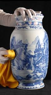 Chinese Vases History Elderly Couple Discover Chinese Vase Used As Umbrella Stand Is
