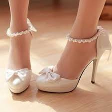 wedding shoes perth 15 gift ideas for your bridesmaids bow heels lace bows and perth