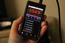 android fm radio confirmed droid 2 hack brings fm radio in one ear and out the other