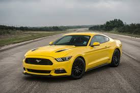 2000 Black Mustang Gt Hennessey Ford Mustang Gt Makes Top Speed Record Hitting 207 9 Mph