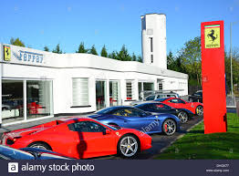 ferrari dealership ferrari dealership stockfotos u0026 ferrari dealership bilder alamy