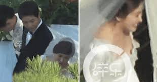 wedding dress song song hye kyo in a wedding dress song joong ki can t take his