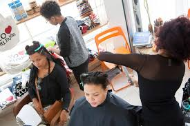hair salon teaches dominicans to love their curls al jazeera america
