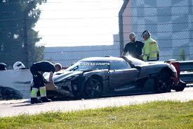 koenigsegg crash test koenigsegg agera r test mule crashes on the u0027ring two injured