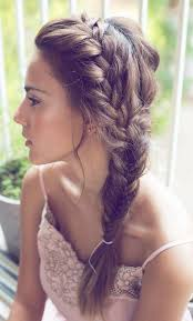 nice hairstyle for short medium hair with one hair band simple and easy braided hairstyles short hair for college girls24