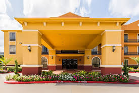 Comfort Suites Willowbrook Houston Hotel Coupons For Houston Texas Freehotelcoupons Com