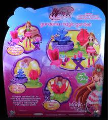 Magic Garden Table And Chairs She U0027s Fantastic Winx Club Magic Gardenia Flora