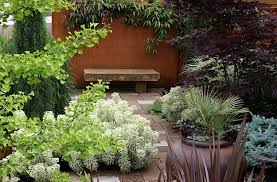 small garden ideas and tips how to design gardens in limited spaces