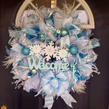 white deco mesh best 25 deco mesh christmas wreaths diy ideas on