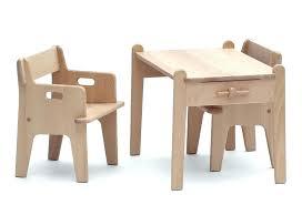 bureau pour bébé petit bureau bebe table et chaise bebe 1 chaise haute quax