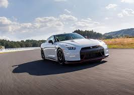 nissan gtr horsepower 2016 nissan gt r r35 nismo specs 2014 2015 2016 2017 autoevolution