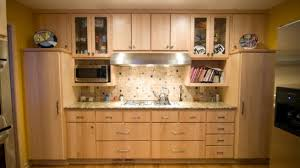 maple kitchen cabinets natural maple kitchen cabinets adorable lovely of find best