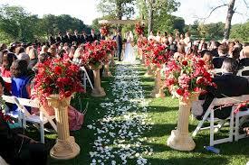 wedding ceremonies aisle runners and petals in wedding ceremonies
