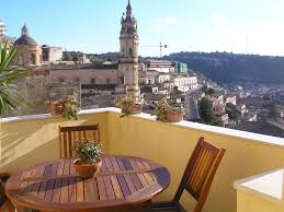 perfect little house charming little house with terrace with view on modica modica