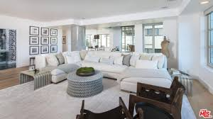Best Place To Buy A Sofa Los Angeles Kendall Jenner U0027s 1 6 Million First Apartment Is For Sale