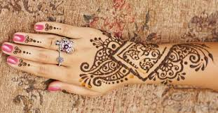 what you need to know before getting a henna tattoo u2013 evolvinglolo