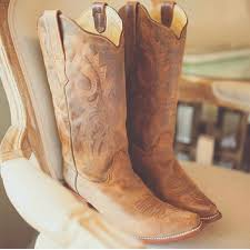 64 corral shoes corral womens cowboy boots size 9 from