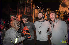 group discounts for halloween horror nights r5 get scared out of their socks at halloween horror nights