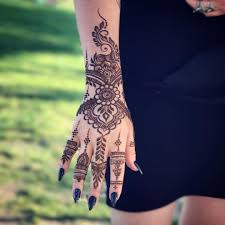 gopi henna body art
