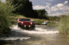 mudding jeep cherokee jeep wallpaper 49744 1920x1280 px hdwallsource com
