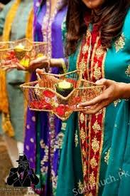 mehndi decoration mehndi thaals and plates decoration ideas decoration ideas