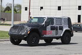 huge jeep wrangler 2018 jeep wrangler jl interior revealed
