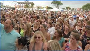carolina country music festival kicks off wbtw com