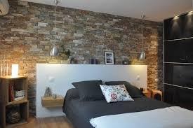 décoration mur chambre à coucher des pierres dans la chambre à coucher voici 20 idées déco