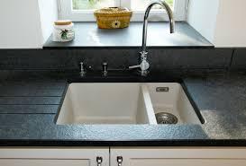 plan de travail de cuisine en granit bâcle et granit marbrerie de décoration pour plan de