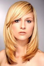 Frisuren Kurz Damen Blond by Die Besten 25 Stufen Frisuren Ideen Auf Bob Halblang