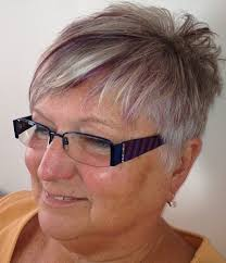 90 classy and simple short hairstyles for women over 50 choppy