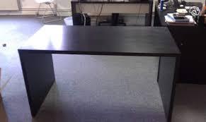 bureau bois noir bureau noir excellent amnagement bureau ikea source bureau noir et