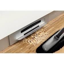 plinthe cuisine meuble aspirateur intégré sous plinthe accessoires de cuisine