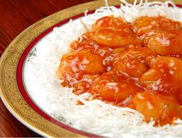 cuisiner du riz blanc crevettes sauce piquante sur riz blanc plats asiatiques maison
