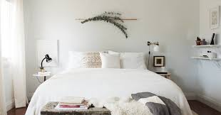 14 Over The Bed Wall Decor Ideas