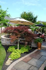 Landscape Ideas For Backyards With Pictures by 8 Great Ideas For Backyard Landscaping The Graphics Fairy