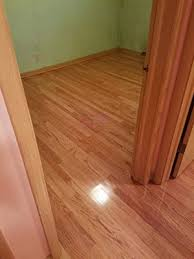 laminate flooring vs hardwood flooring in milwaukee wi