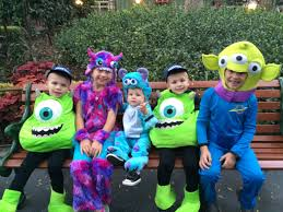 Family Of Five Halloween Costumes by When It Rains On Halloween Youtube